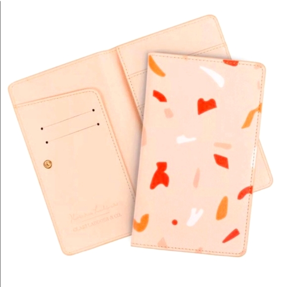 GLASS LADDER TRAVEL WALLET NWT